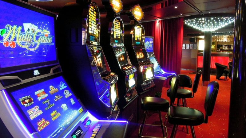The advantage of online fruit machines over slots